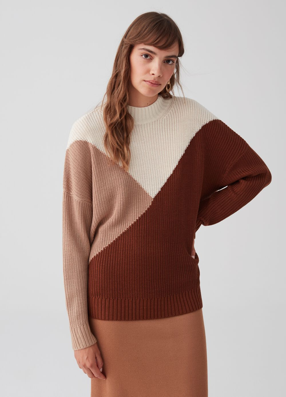 Knitted colourblock pullover with ribbing