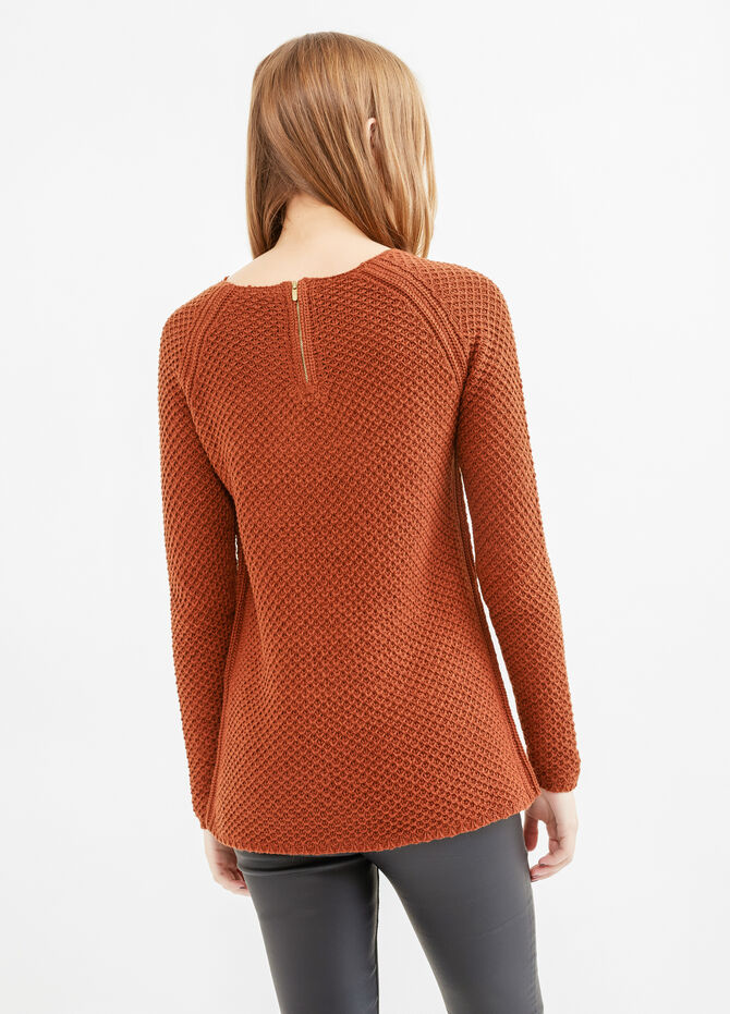 Chunky knit pullover with zip on the back