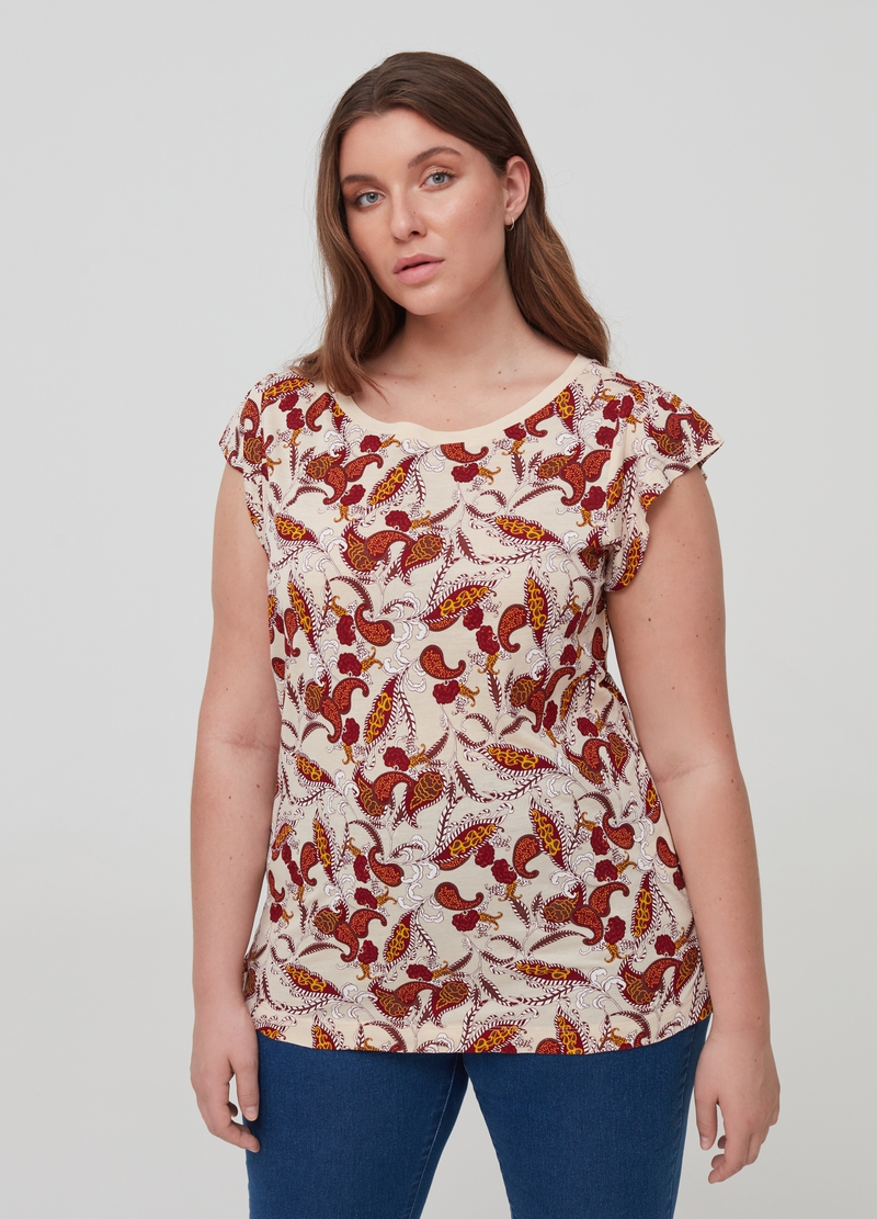 Curvy T-shirt with all-over paisley print image number null