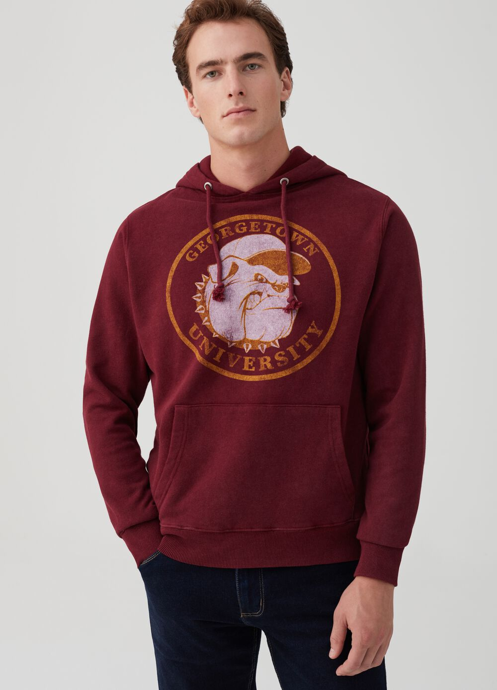 Sweatshirt with pouch pocket and bulldog print