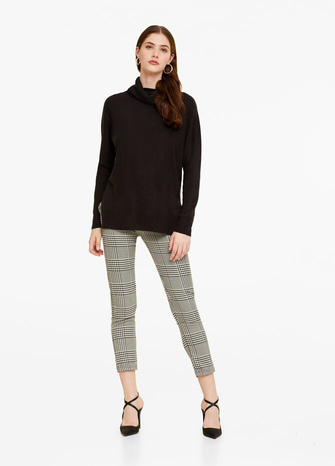 Cigarette trousers with check pattern