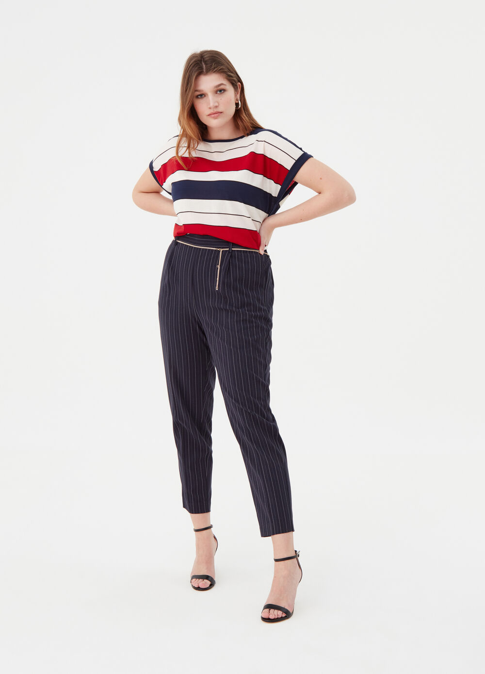 Curvy trousers with striped chain
