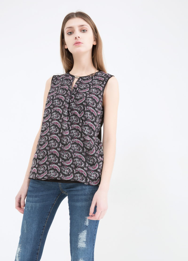 Sleeveless blouse in 100% viscose image number null