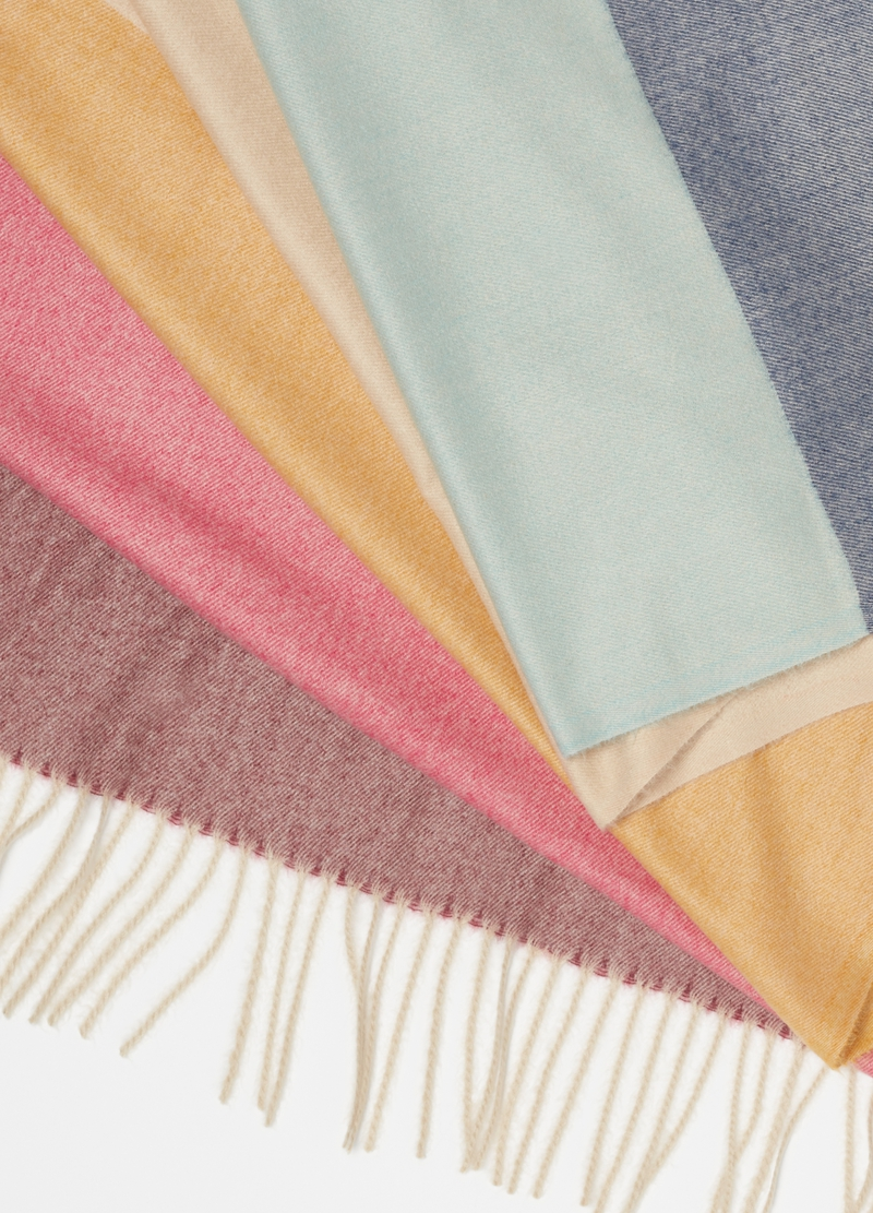 Multicoloured scarf with fringing image number null