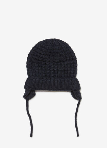 Beanie beret with laces