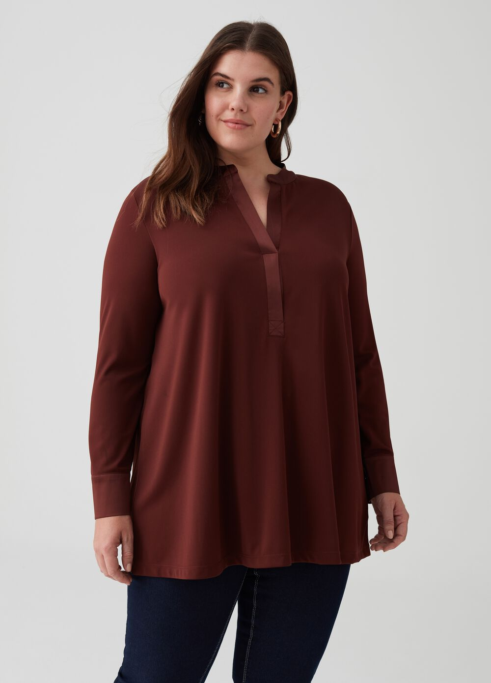 Curvy stretch blouse with satin neckline
