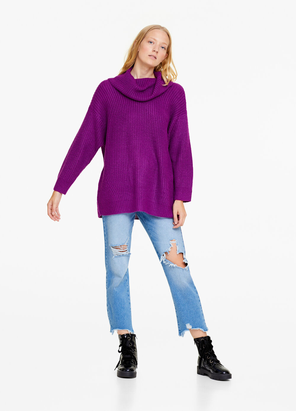 Solid colour knitted pullover with high neck