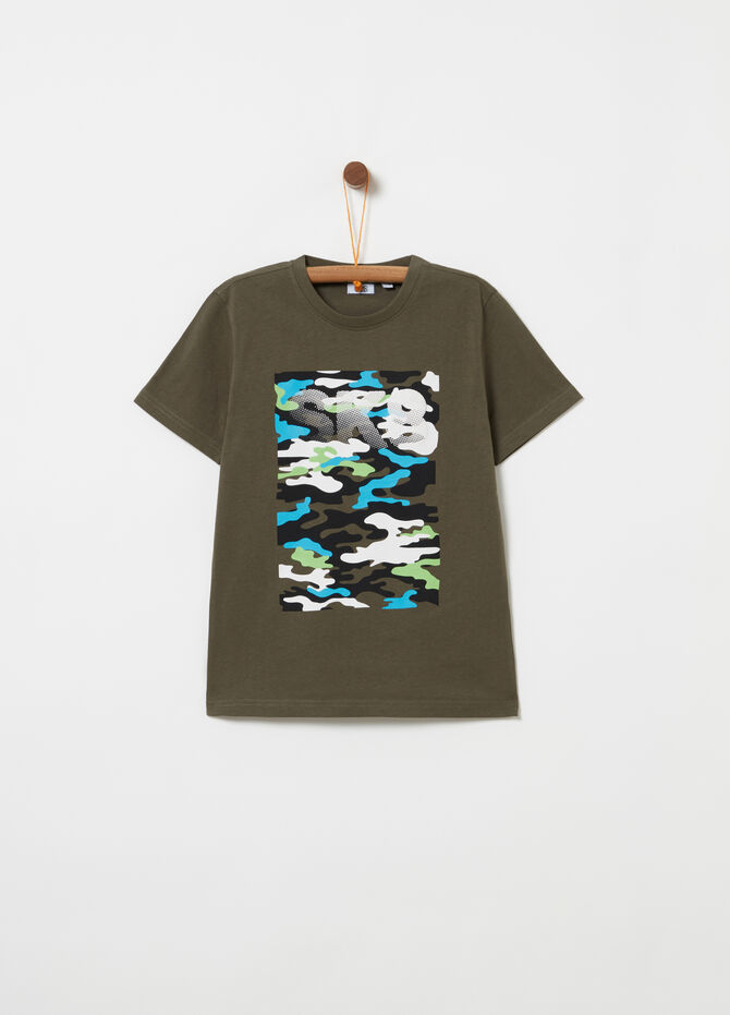 T-shirt con stampa camouflage