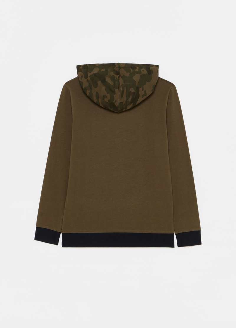 T-shirt with camouflage hood image number null
