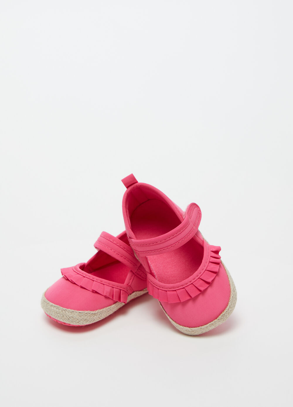 Baby girl shoes with pleating