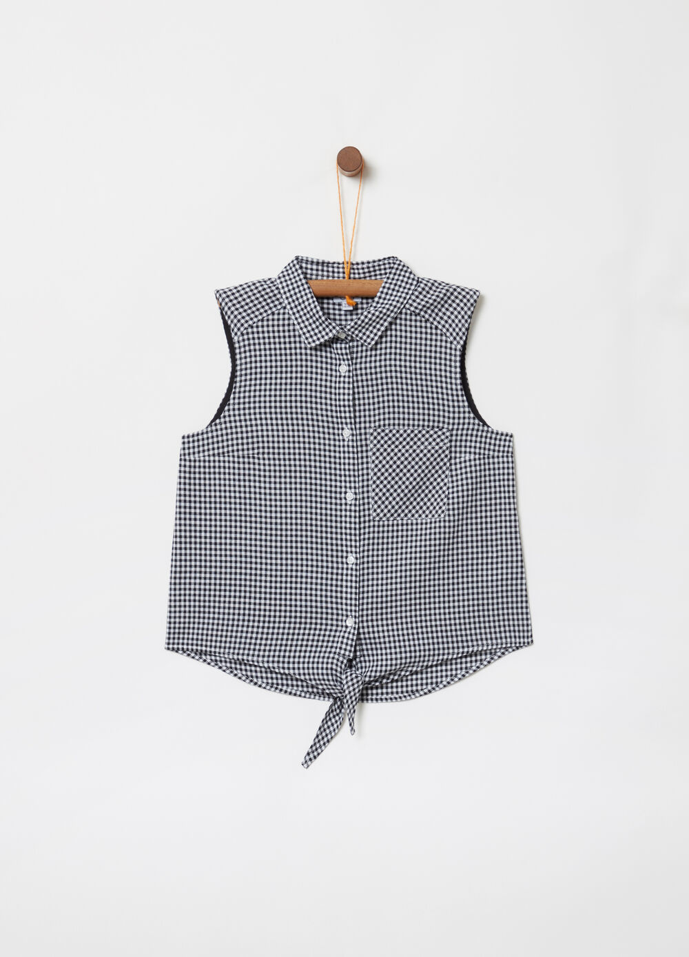Sleeveless shirt with check knot