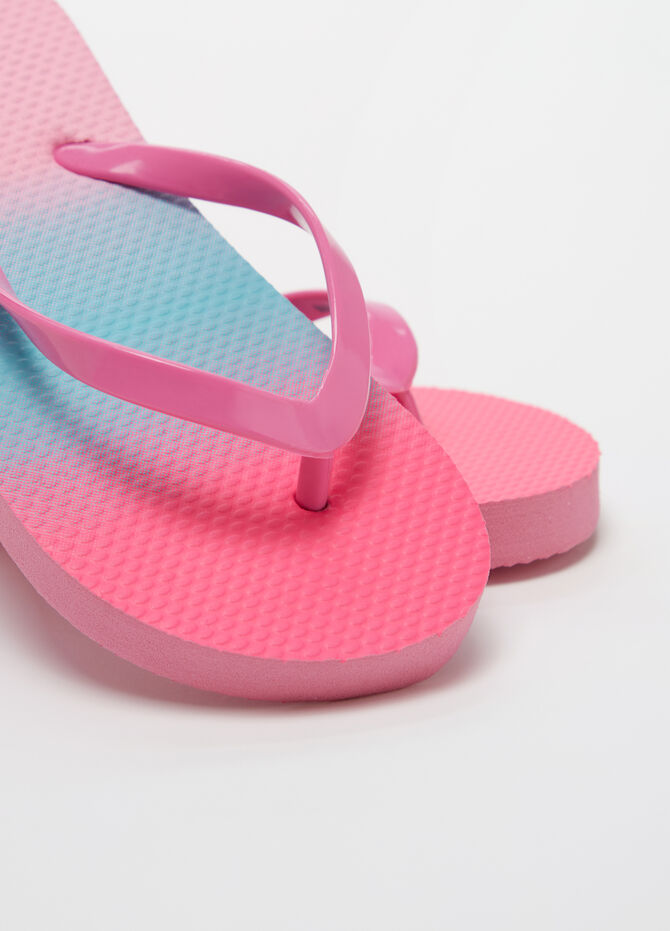 Two-tone thong sandals with faded effect