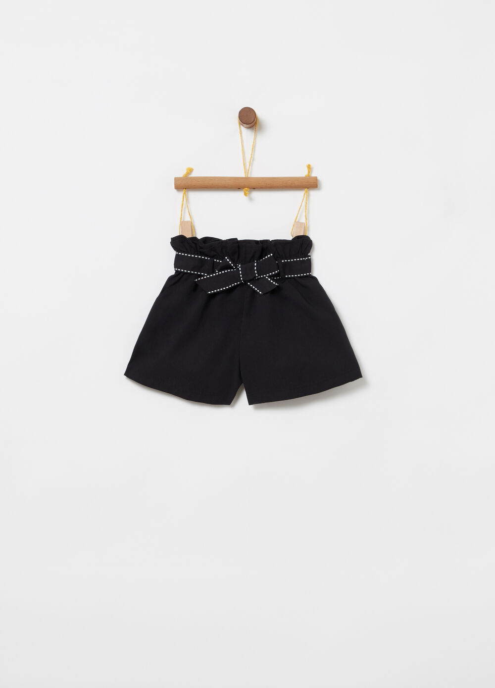 Shorts with elasticated waist, sash and pockets