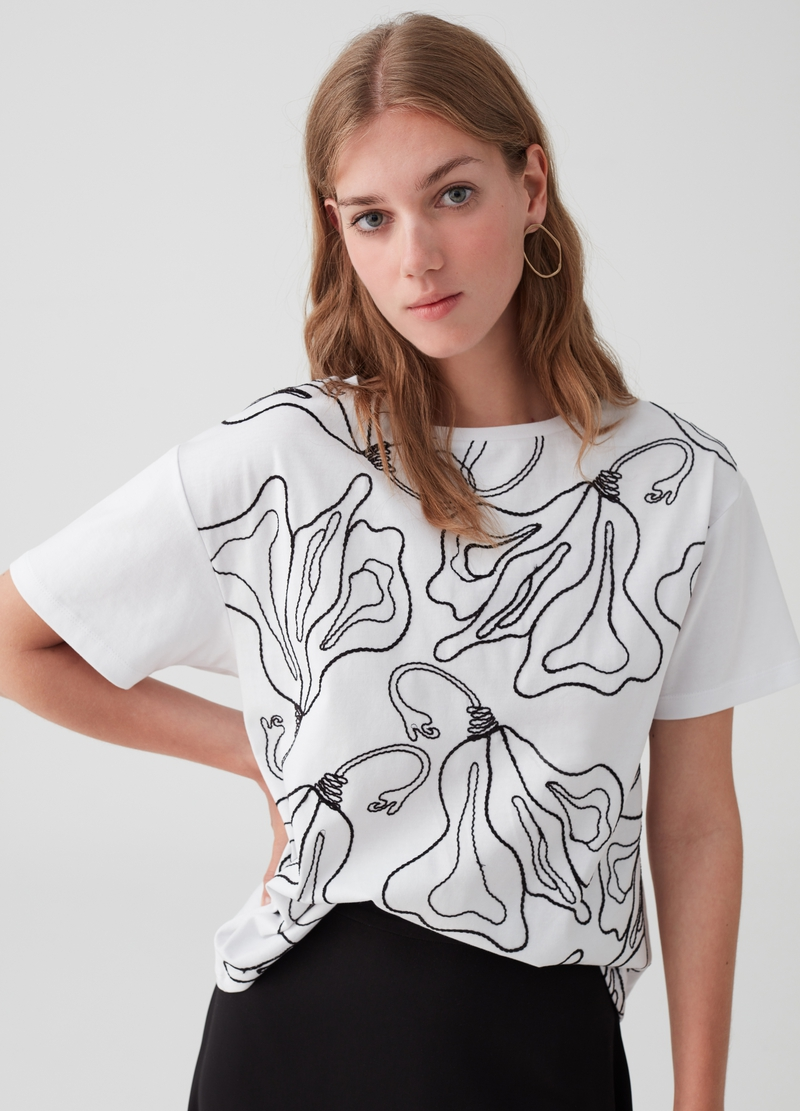 100% cotton floral T-shirt with embroidery image number null
