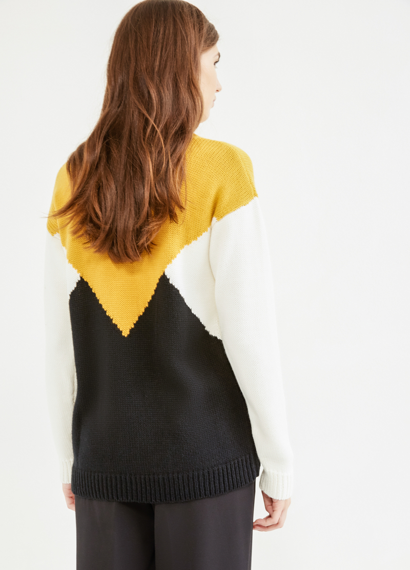 Patterned pullover with boat neck image number null