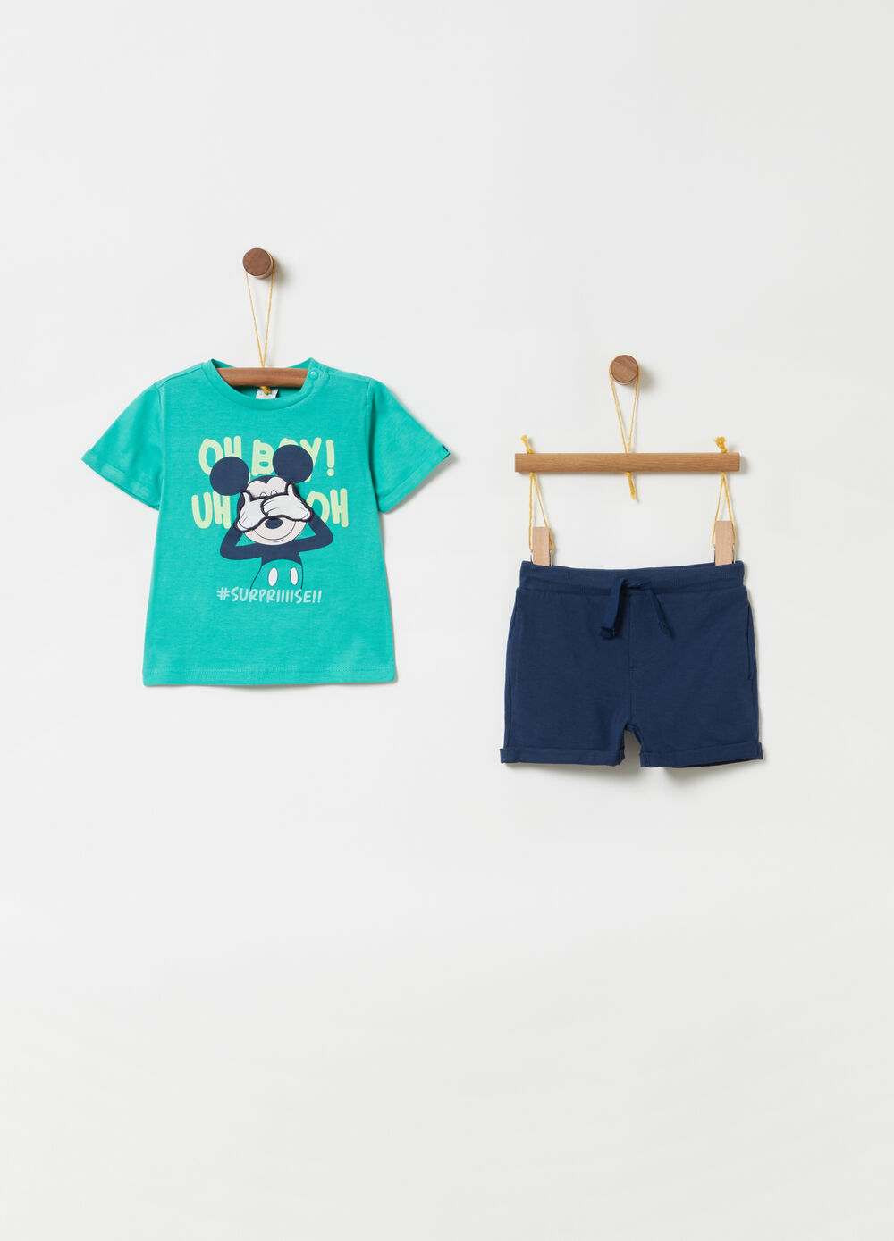 T-shirt and shorts jogging set with Disney print