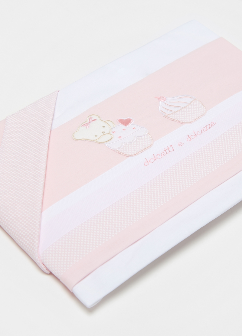 Three-piece cotton crib set with teddy bear and cupcake image number null