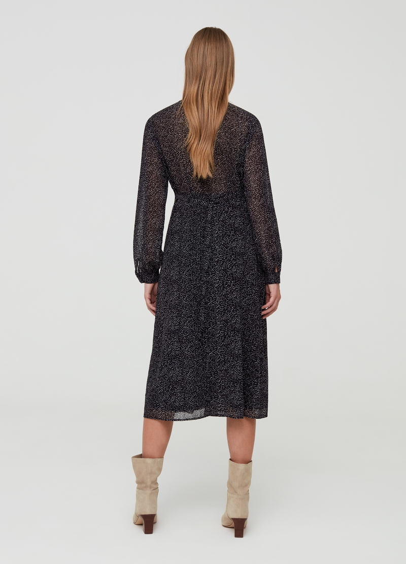 Long V-neck dress with pattern image number null