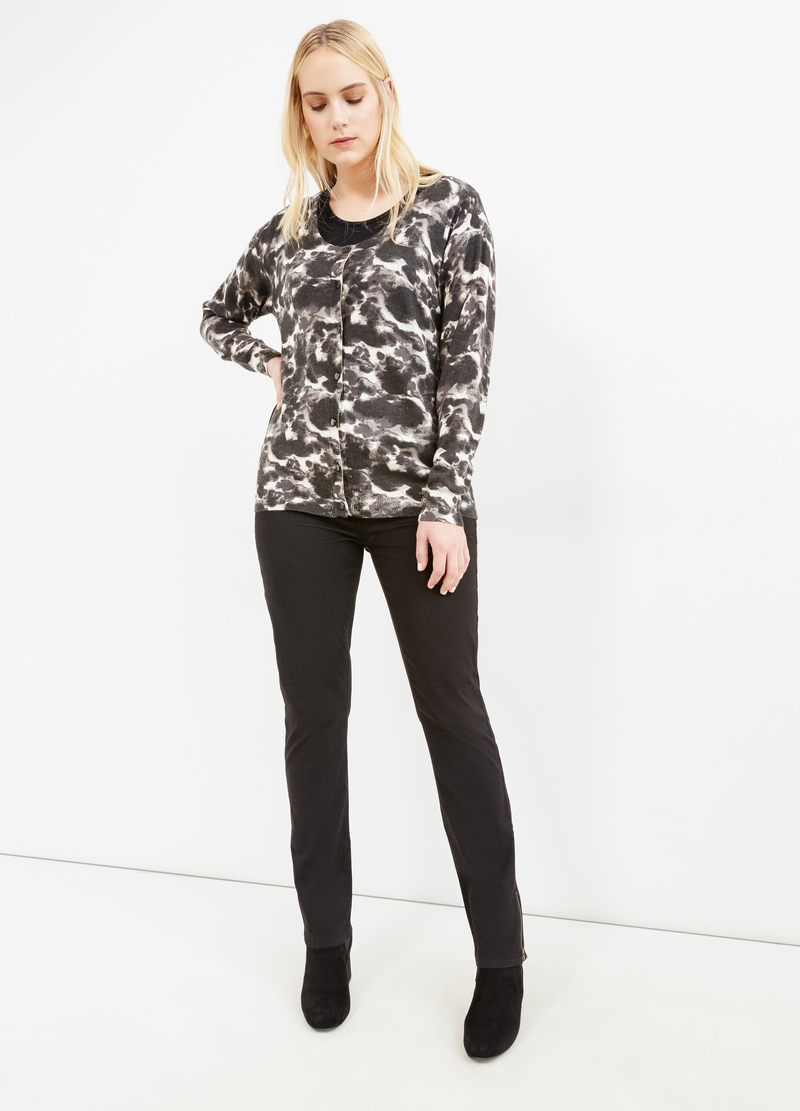 Curvy cardigan with all-over print image number null