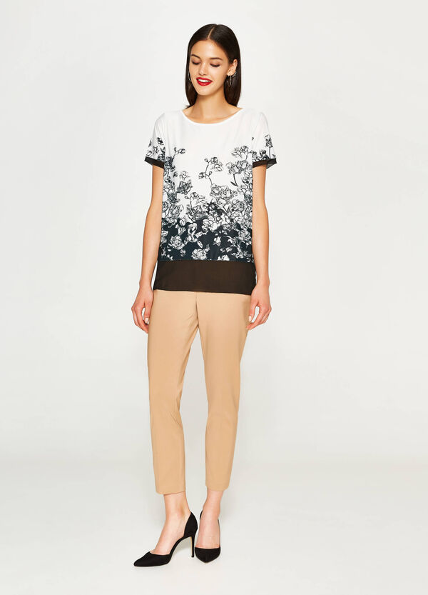 T-shirt stretch con stampa floreale