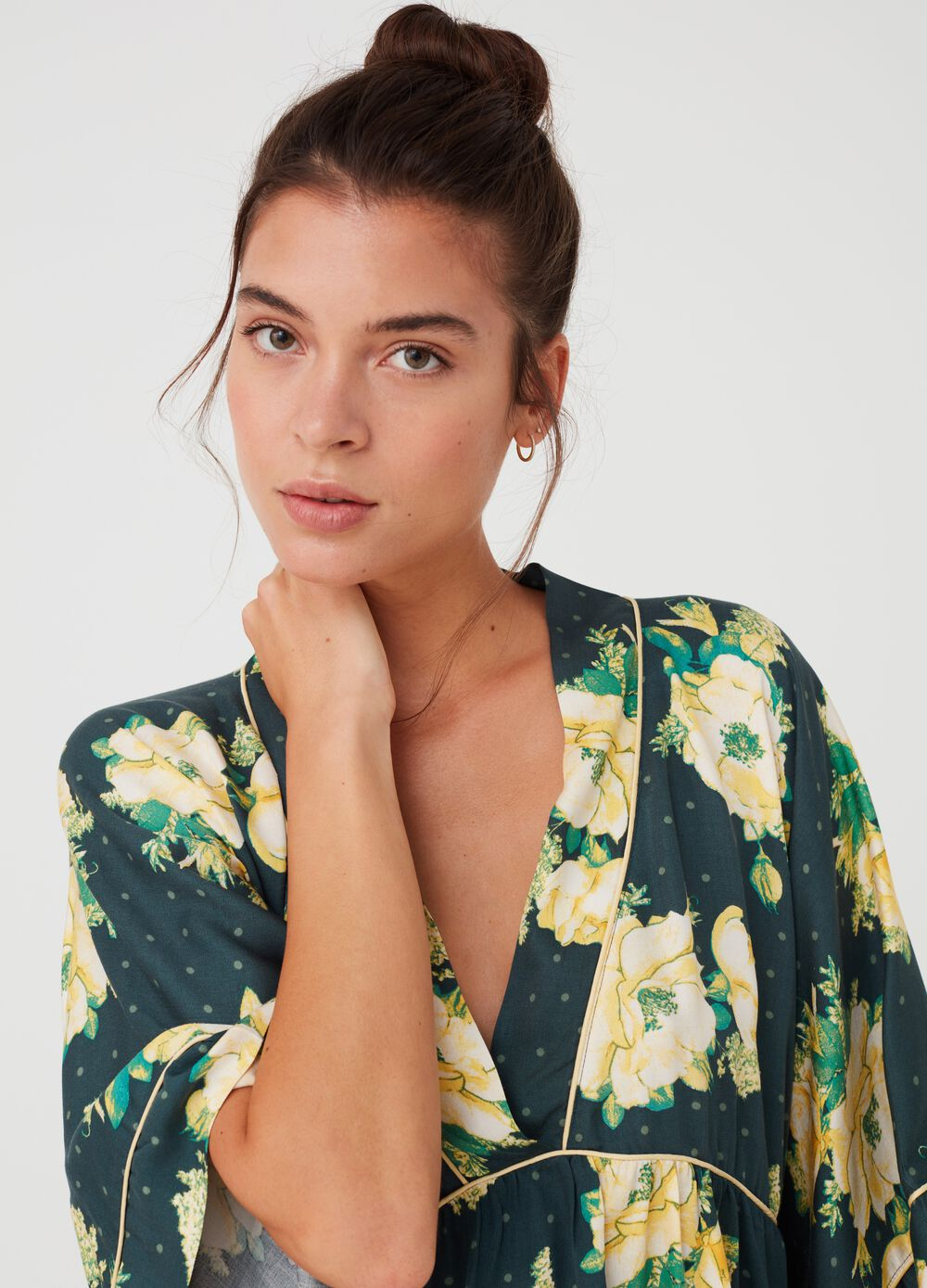 100% viscose floral nightshirt