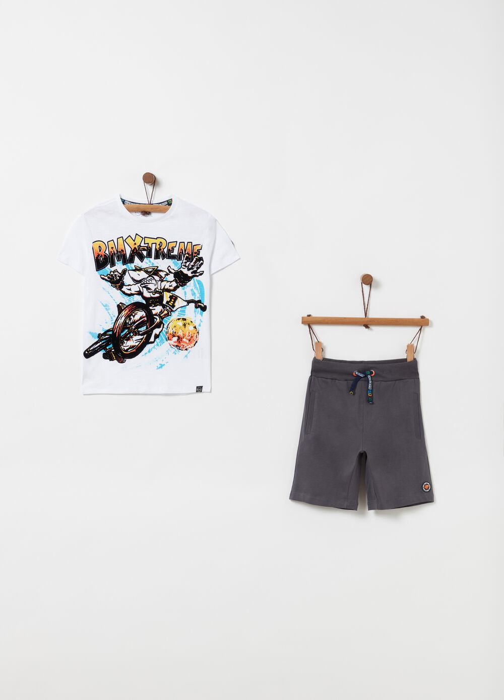 T-shirt and shorts jogging set by Maui and Sons