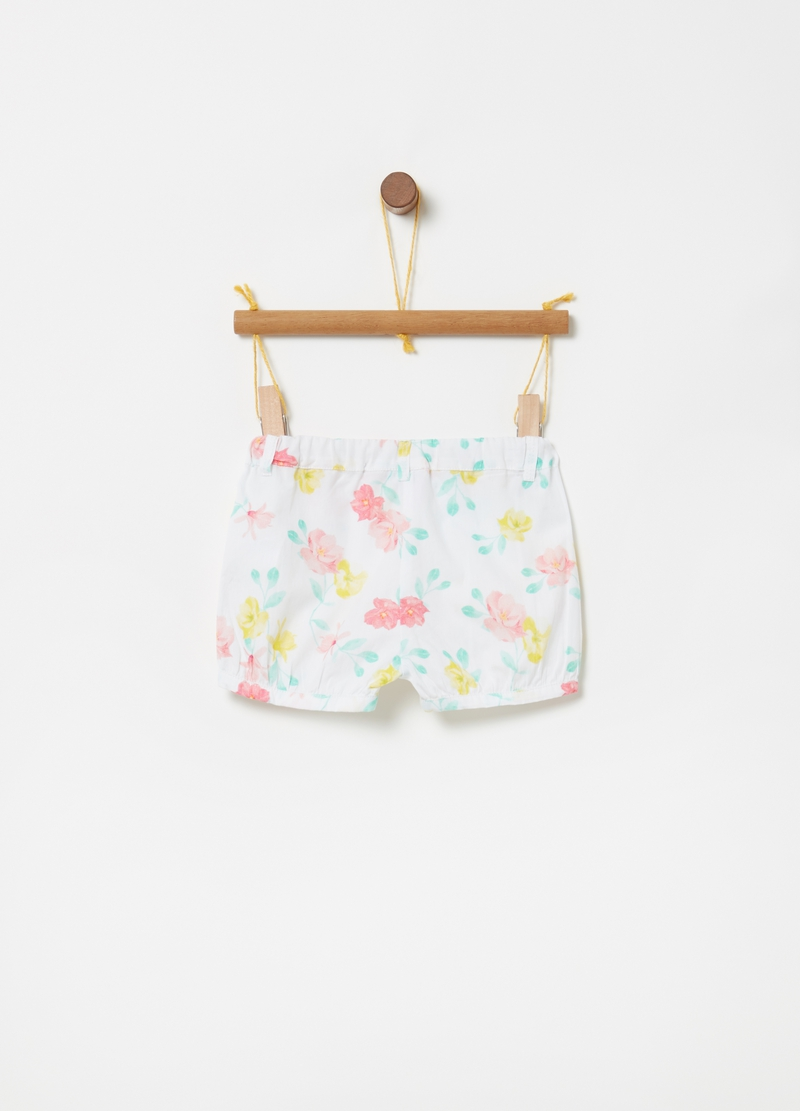 Floral shorts in 100% cotton image number null