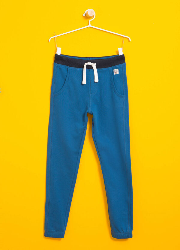 Joggers with contrasting colour waistband and patch | OVS
