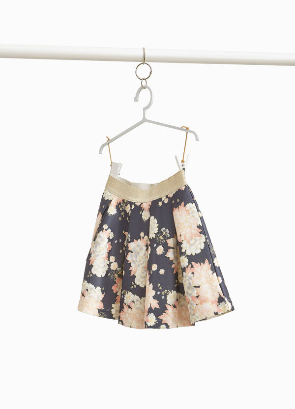 Full skirt with floral pattern and pleats
