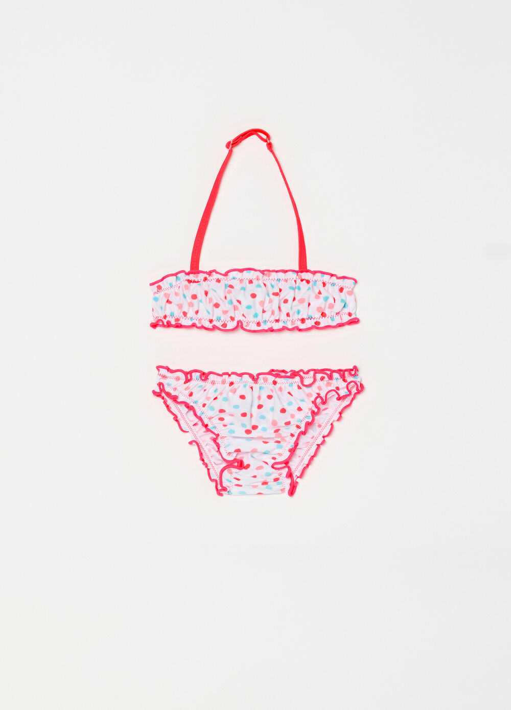 Bikini with polka dot pattern and wavy edges