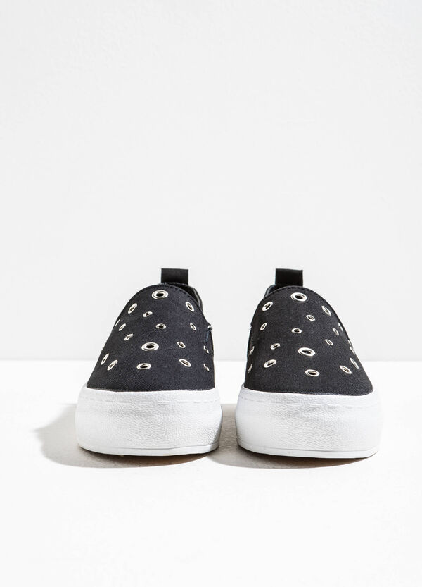 Slip-ons with eyelets | OVS