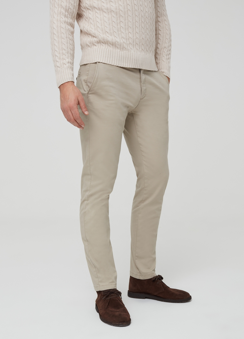 Pantaloni chino slim fit image number null