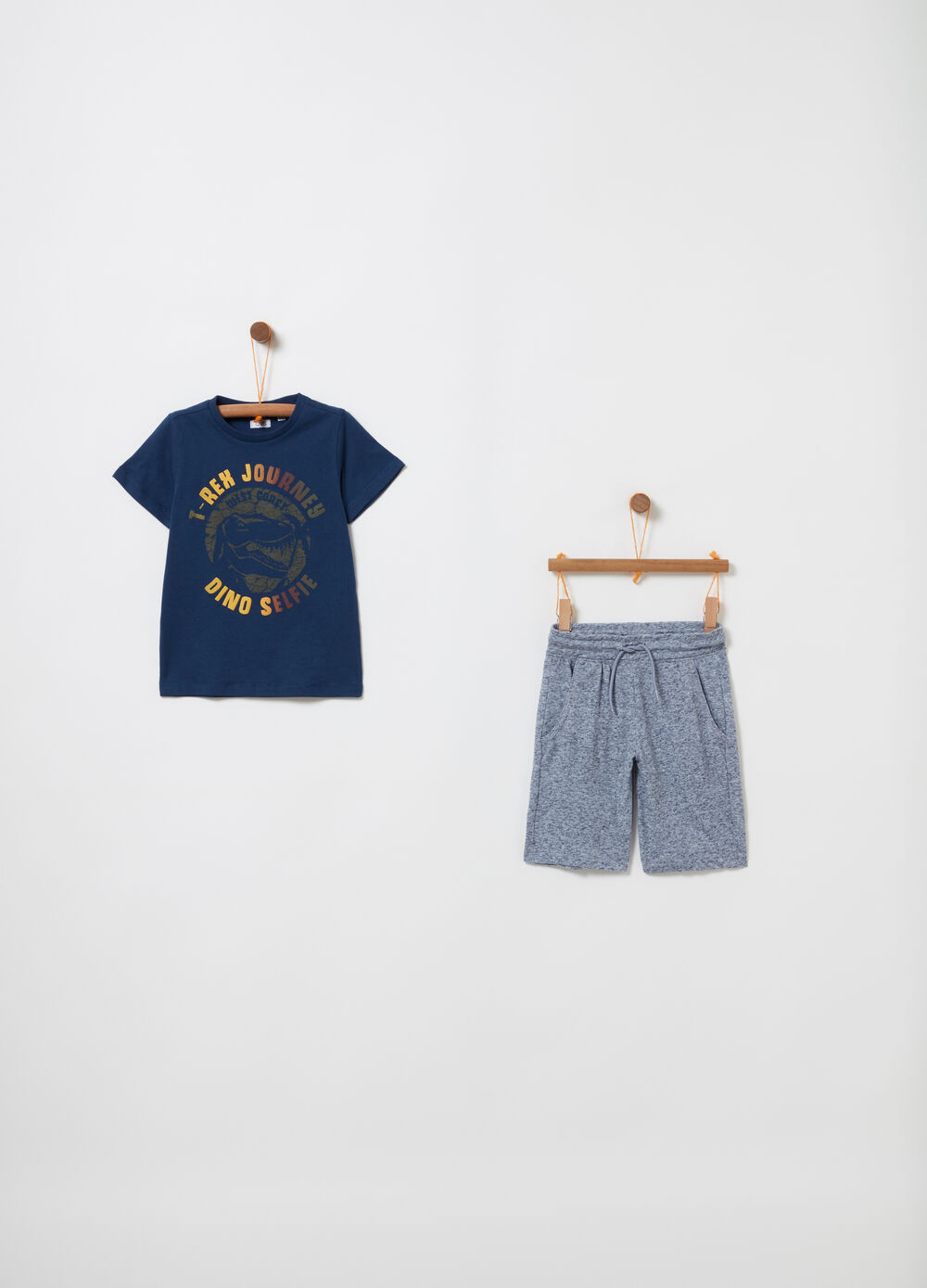 Jogging set t-shirt con dinosauro e shorts