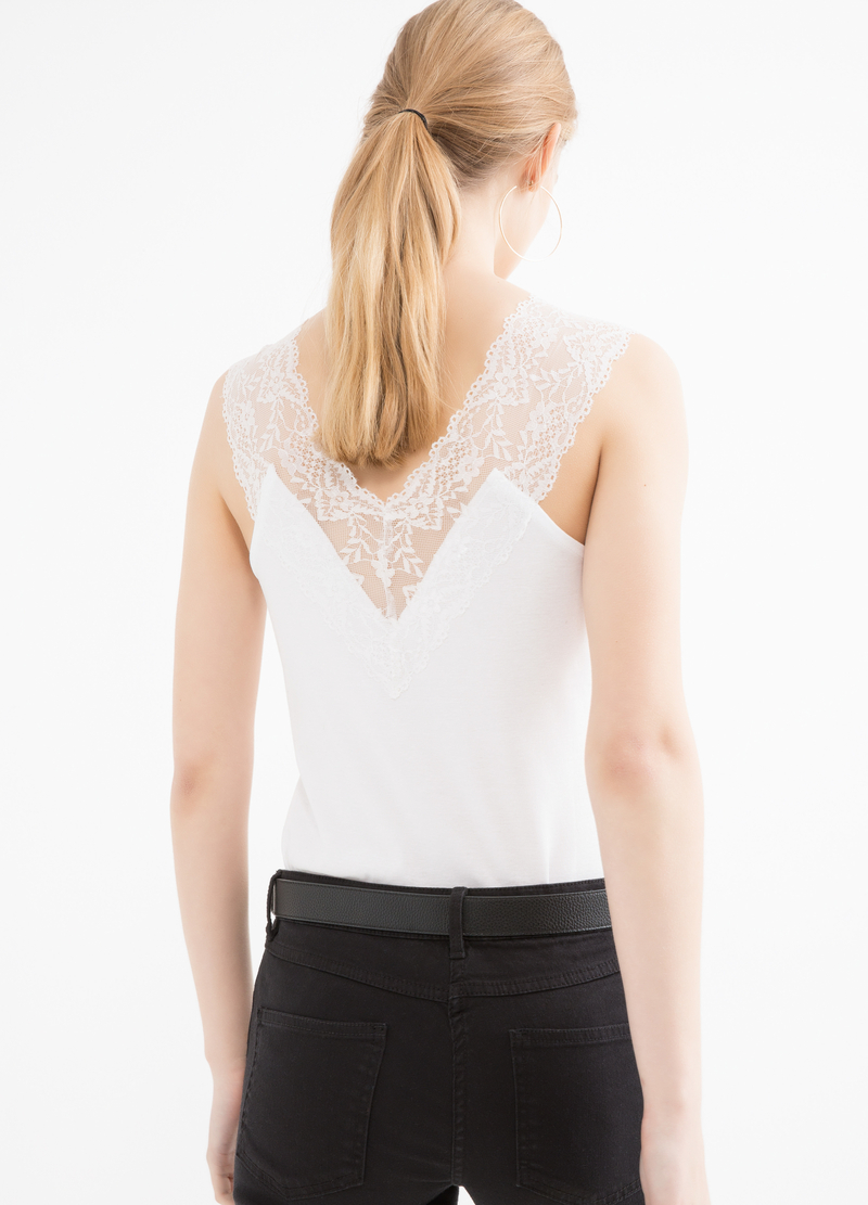 Top in puro cotone con pizzo image number null