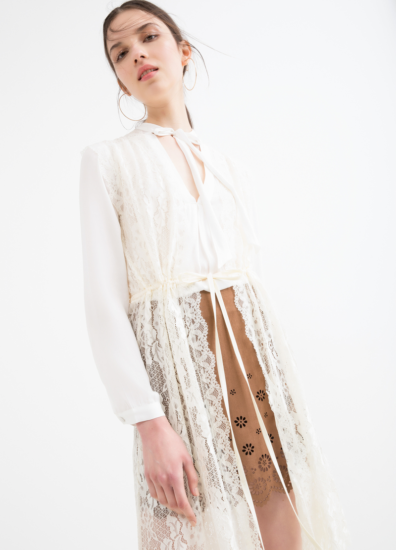 Stretch waistcoat in lace image number null