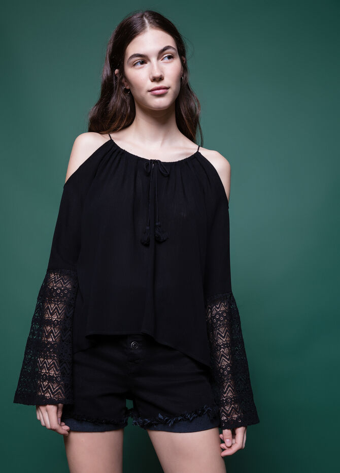 100% viscose blouse with lace and tassels