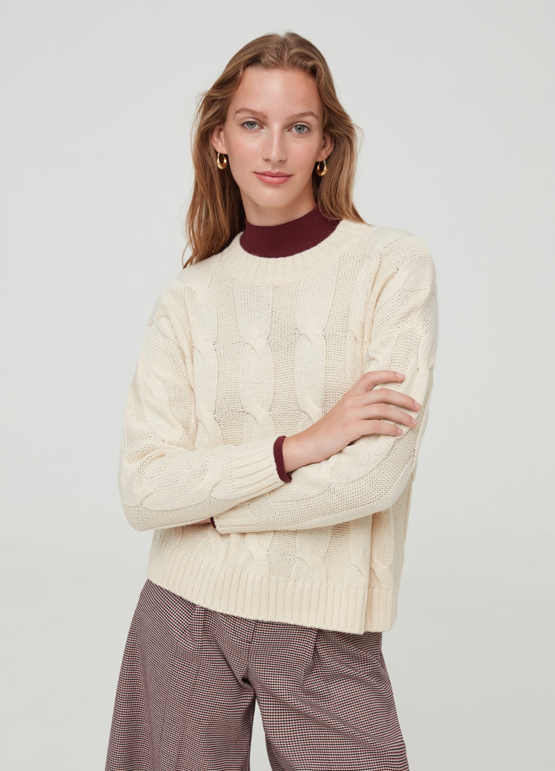 Solid colour pullover with braided weave image number null