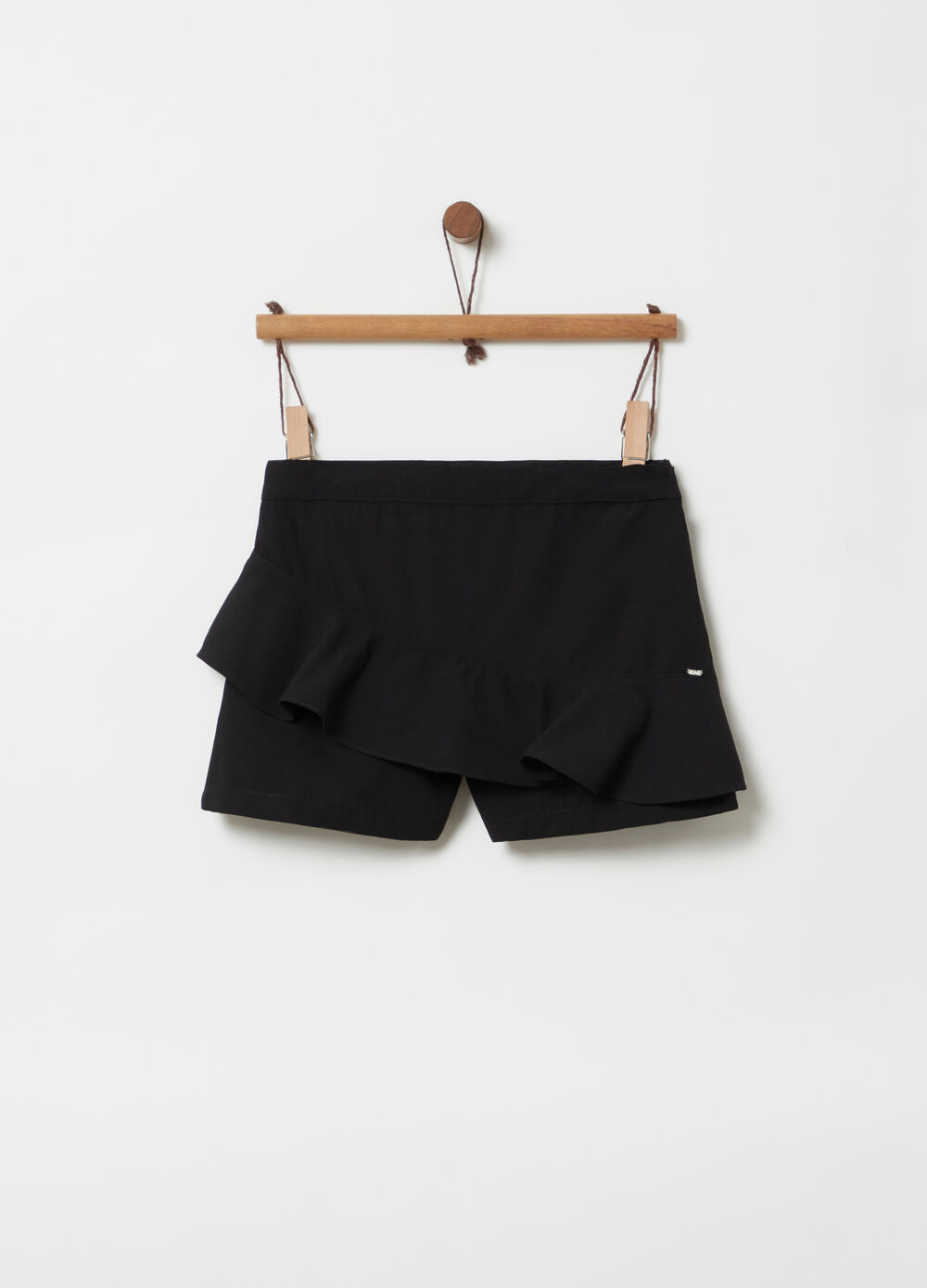 Solid colour shorts with frills