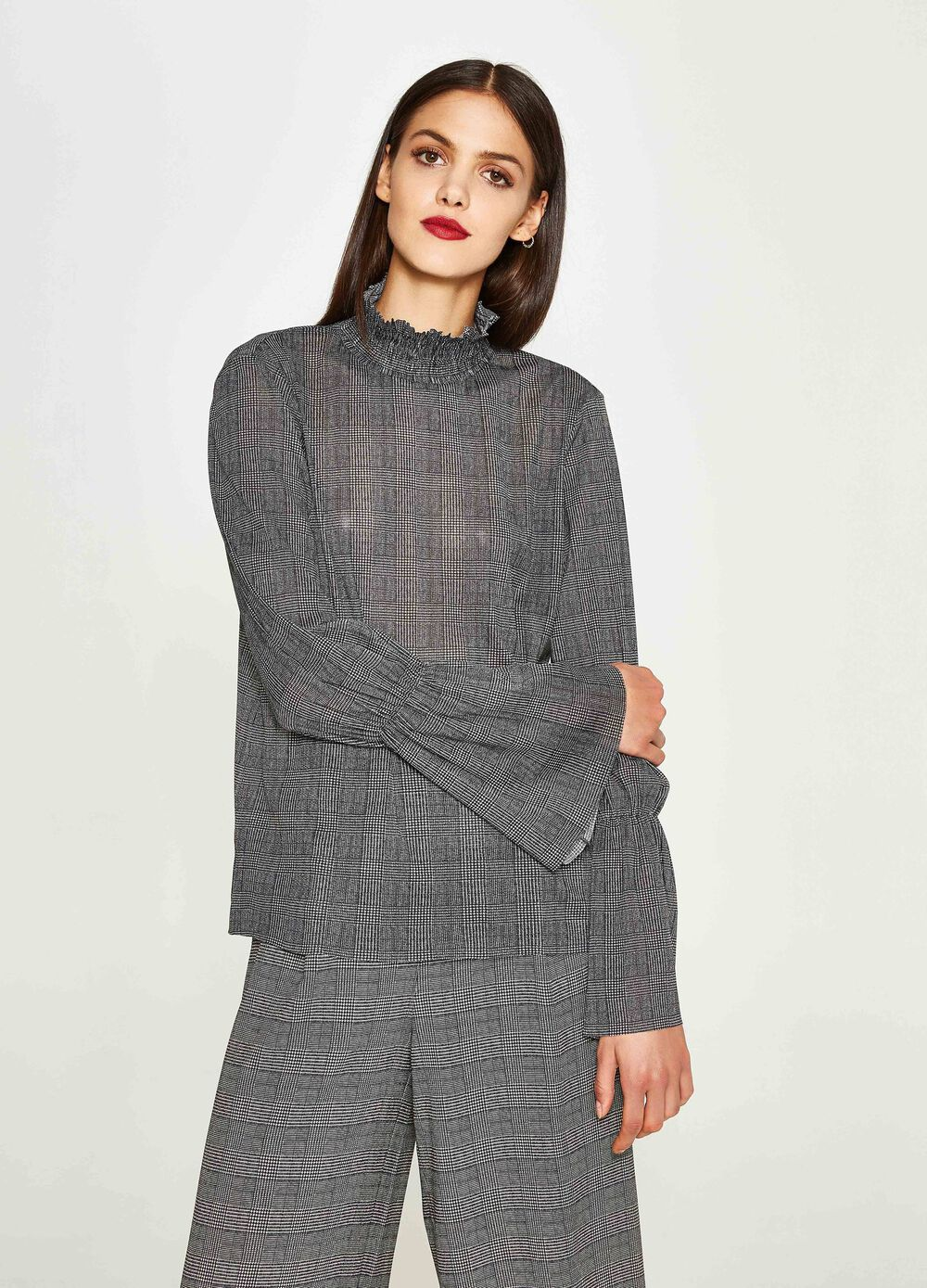 Tartan pattern stretch blouse