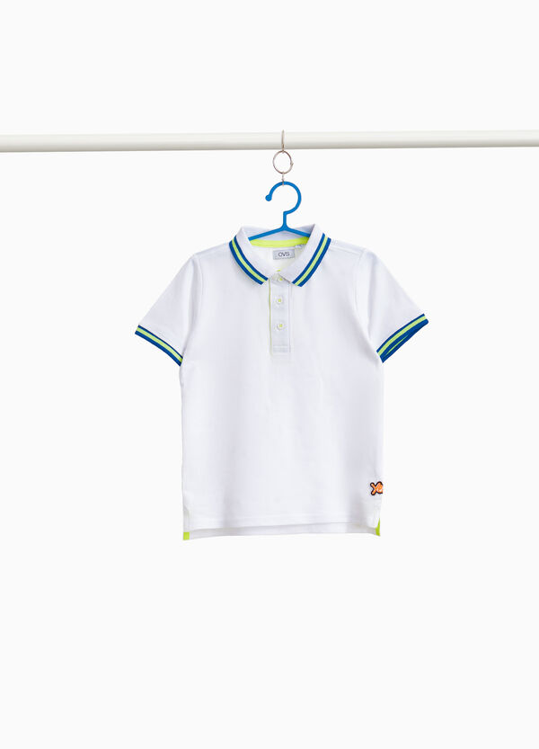 Cotton polo shirt with striped ribbing and print