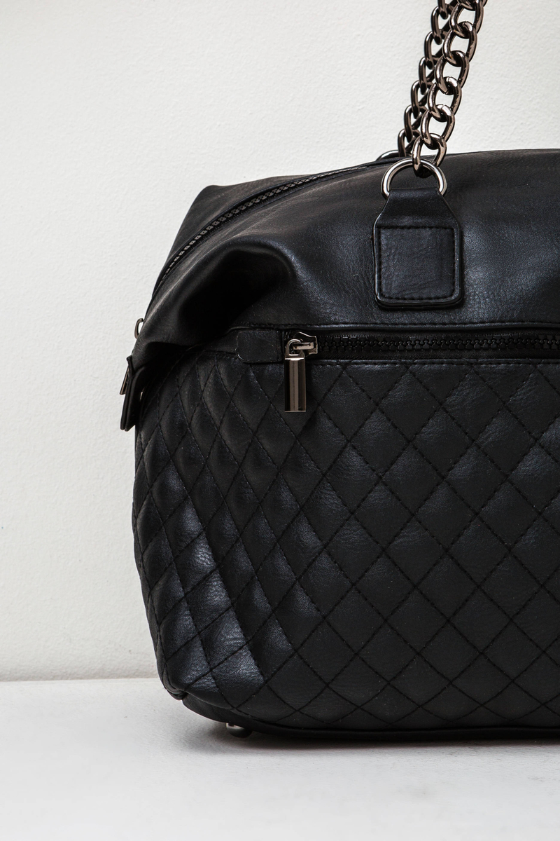 Quilted handbag with chain image number null