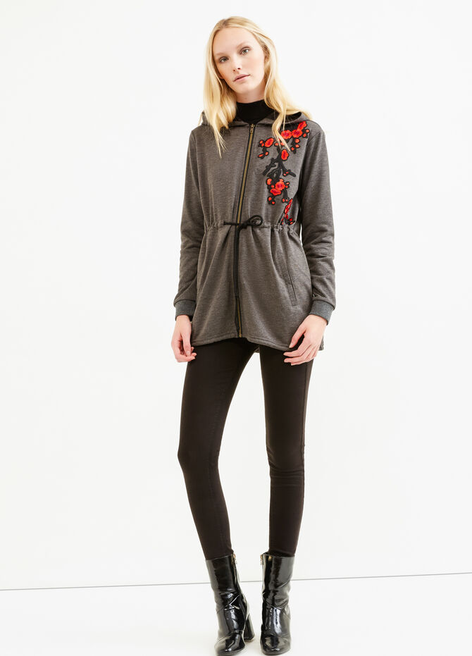100% cotton sweatshirt with patches and embroidery