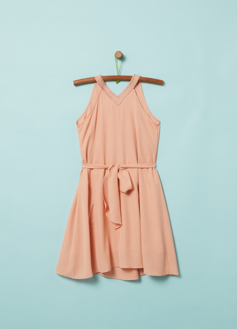 Sleeveless dress with belt image number null