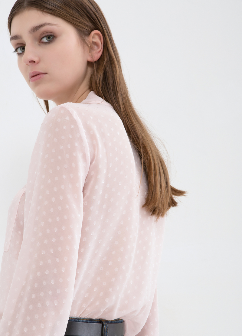 Blusa con fiocco image number null