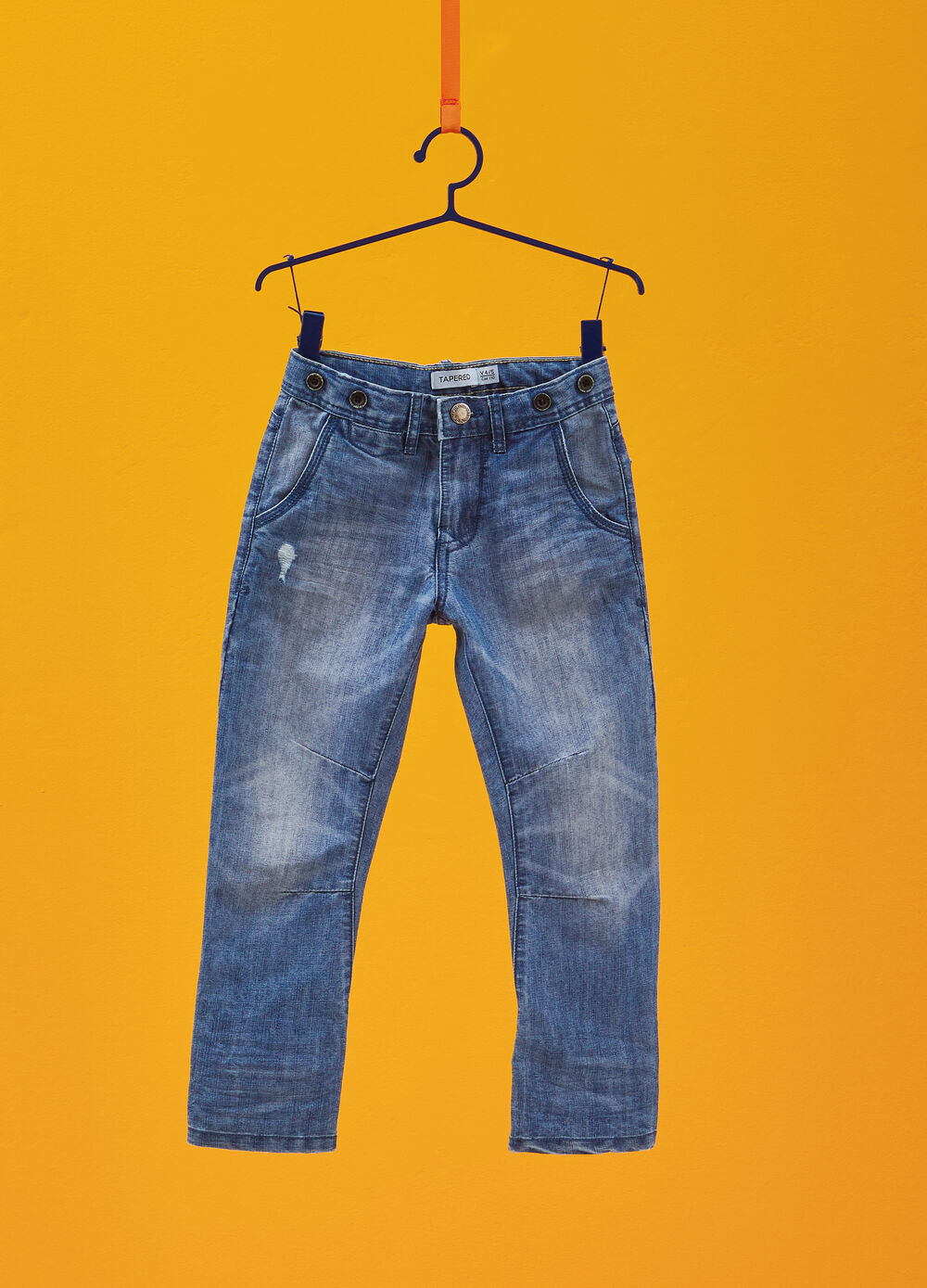 Jeans tapered fit effetto maltinto