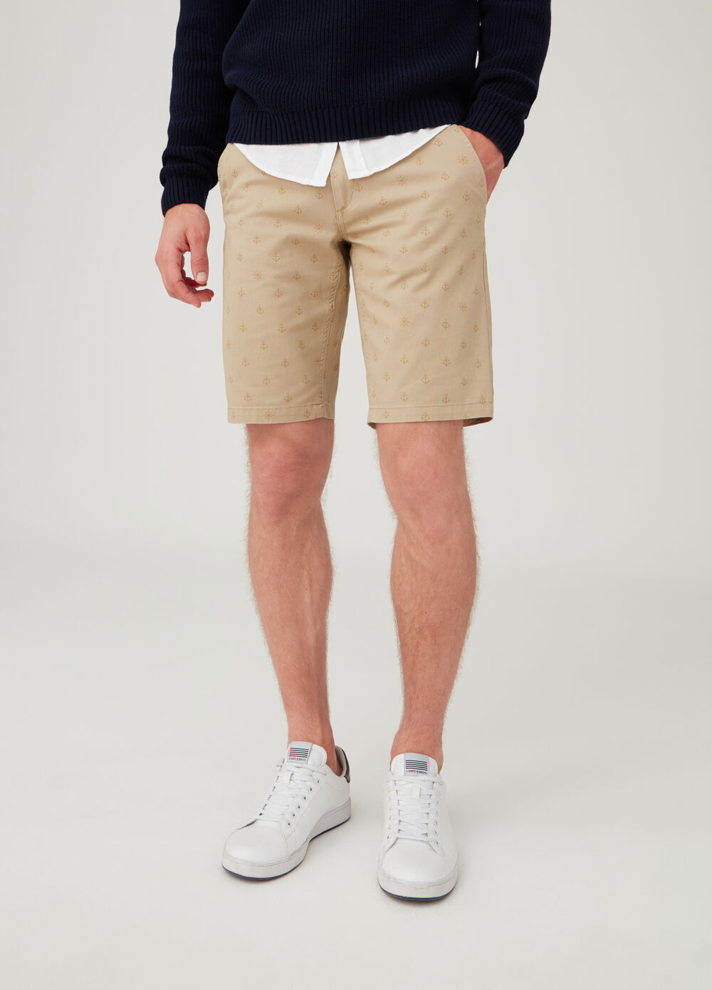 Shorts regular fit con tasche e fantasia