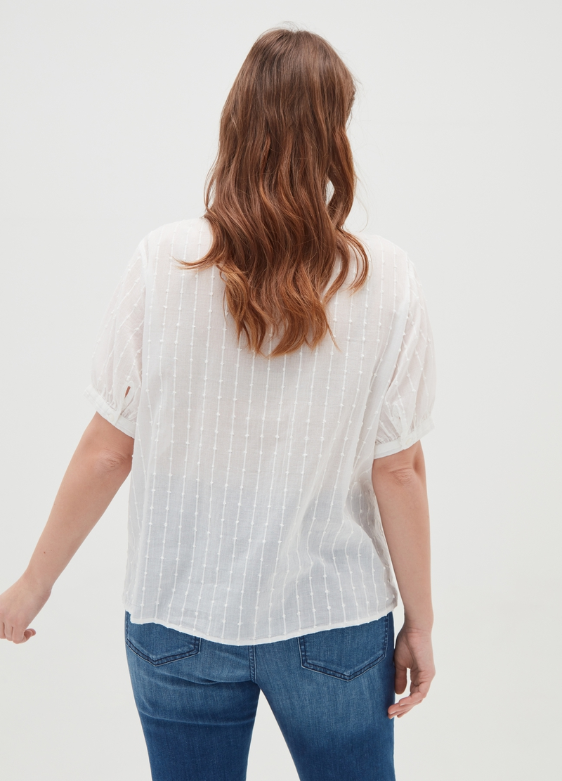 Curvy blouse with macramé lace image number null