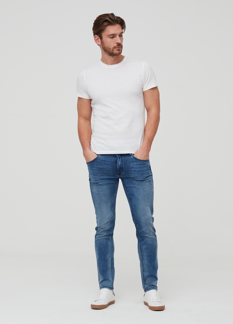 Pantaloni jogger in denim image number null