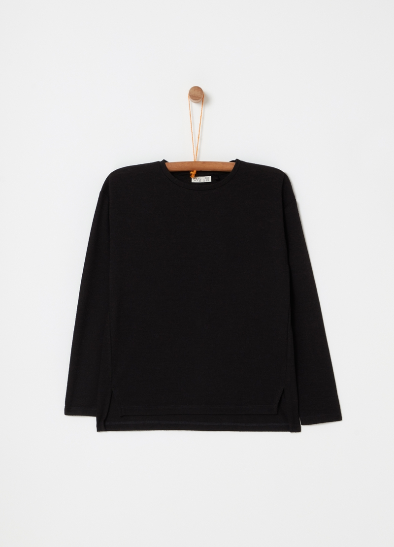 Top with round neck and long sleeves image number null