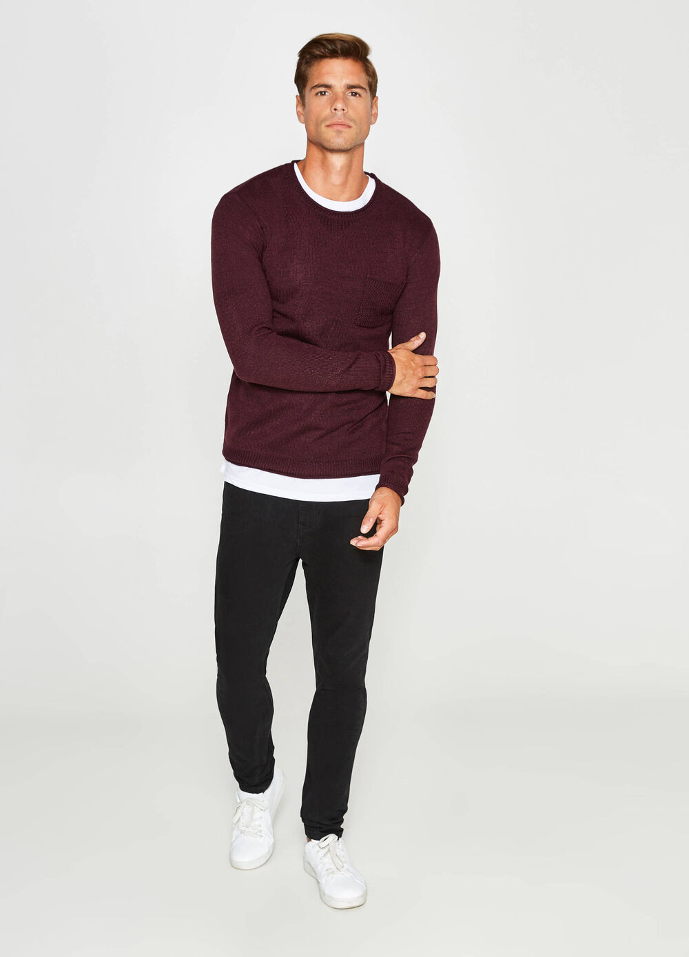 Raw-cut pullover with small pocket